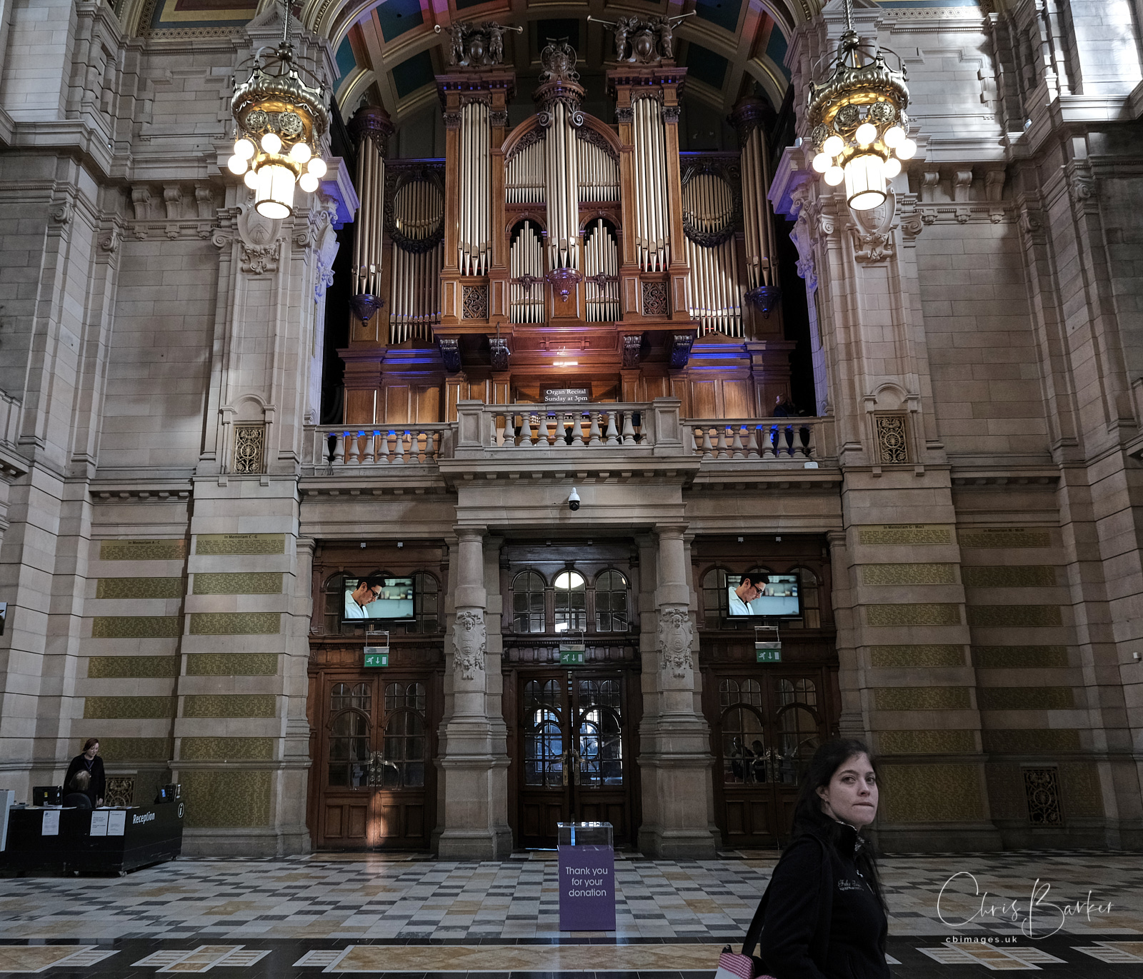 Organ in hall at Kelvingrove Art Gallery and Museum